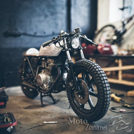 Кафе-рейсер Yamaha XS360 1977 от Hookie Customs