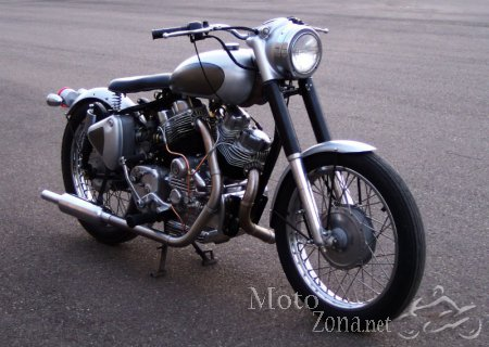 Кастом Royal Enfield Musket V-twin